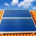 Pannelli fotovoltaici sui tetti delle case popolari