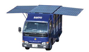 sanyo-camion-solare-pannelli-fotovoltaici