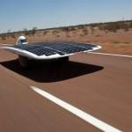 Auto solare entra nel Guinness dei primati per la velocità raggiunta