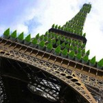 Parigi, la Tour Eiffel si tinge di verde