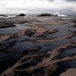 MIT: scoperta una nuova tecnica per ripulire le acque dal petrolio