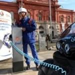Bari: Enel inaugura la prima colonnina di ricarica per veicoli elettrici