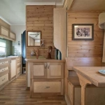 Casa ecologica mobile, un camion capolavoro di design e tecnologia