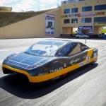 eVe, l'auto solare raggiunge il record di velocità
